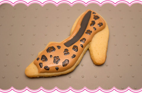 How To Make High Heel Shoe Leopard Print Cookies