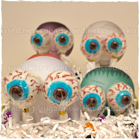 Eyeball Cake Pops - sugarkissed.net