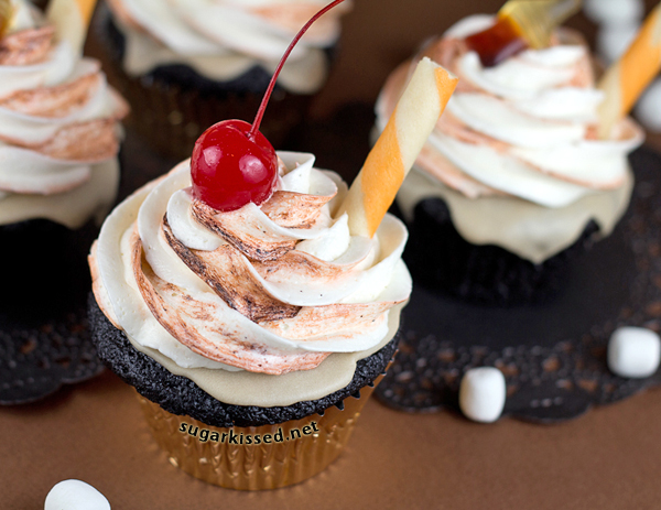 34 Responses to Root Beer Float Cupcakes