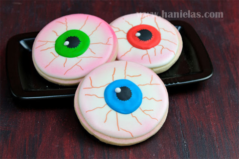Scary Eyeball Cookies