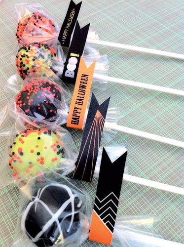 Free Halloween Cake Pop Flags Printable
